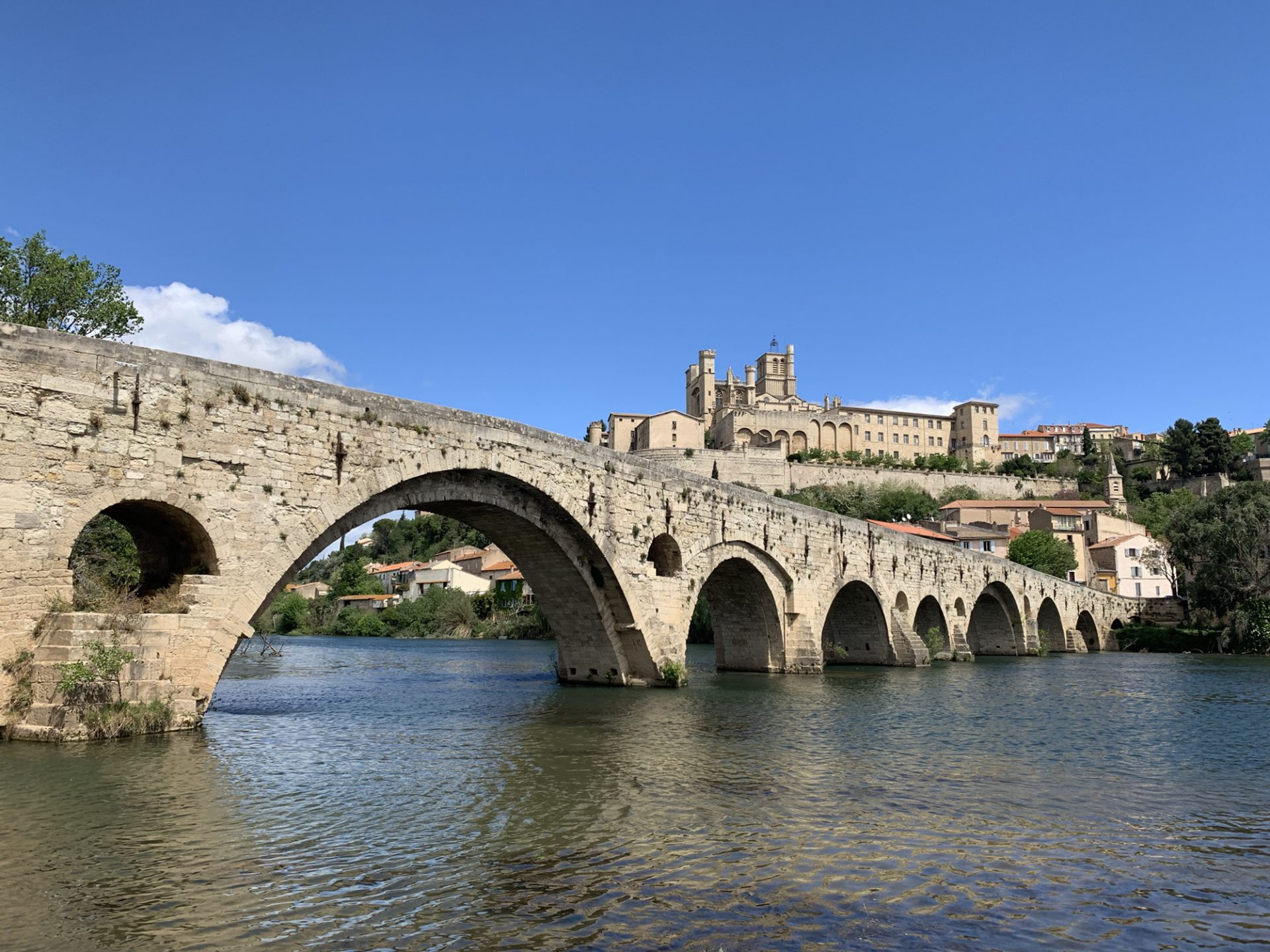 Trapped in almost Paradise – Beziers