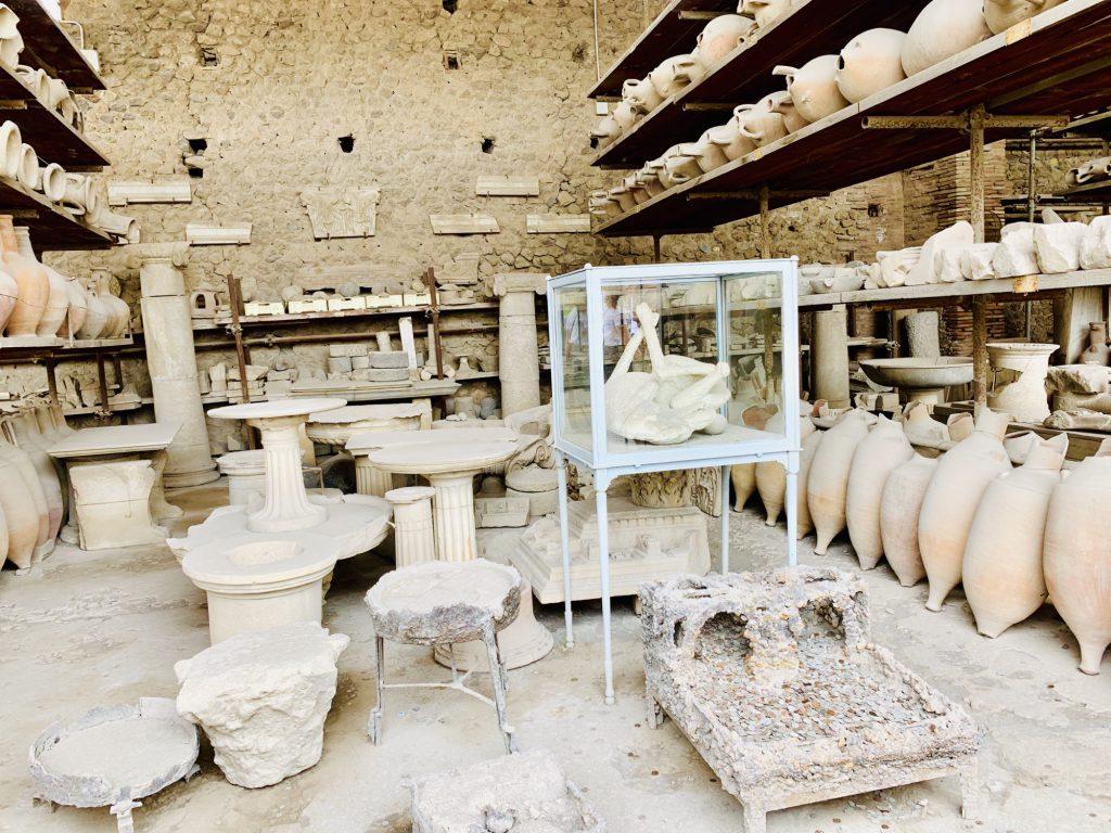 dog cast at pompeii
